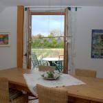 Blick vom Eßzimmer auf den Balkon